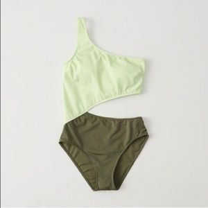 Abercrombie & Fitch swimsuit 💚